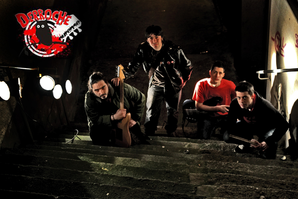 Grupo de rock DERROCHE