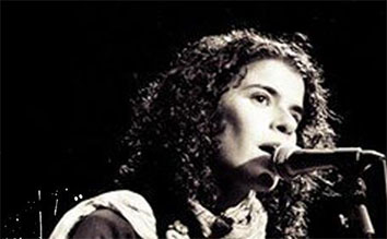 Ángela Biedma - Cantautora