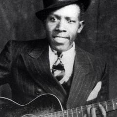 Robert Johnson | El Bluesman que firmó un pacto con el diablo